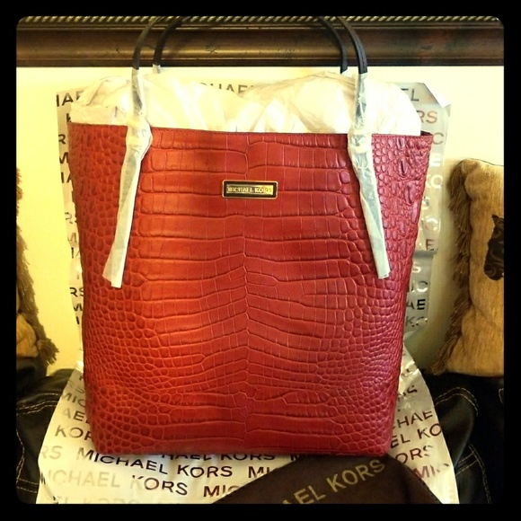 6ea58f7182fd italy michael kors gia ostrich leather high end tote 30109 f73df; where can  i buy michael korse gia tote large a90fa c7c04